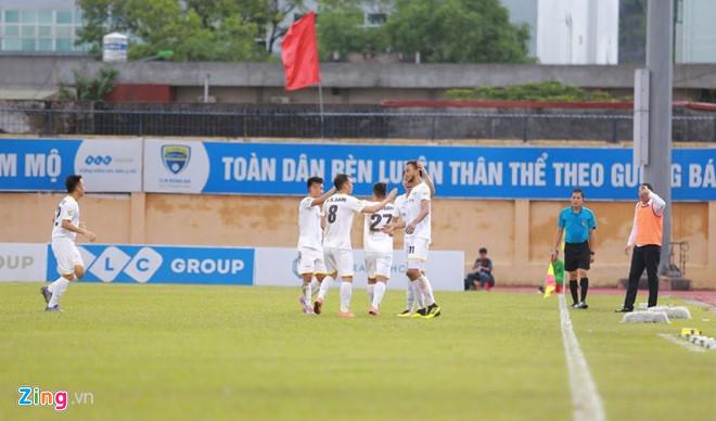 CLB Ha Noi 3-3 CLB Binh Duong: Con mua ban thang hinh anh 5