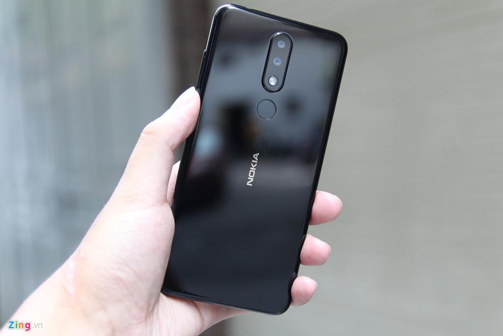 Chi tiet Nokia X5 vua ve VN - giong iPhone X, gia tu 3 trieu dong hinh anh 2