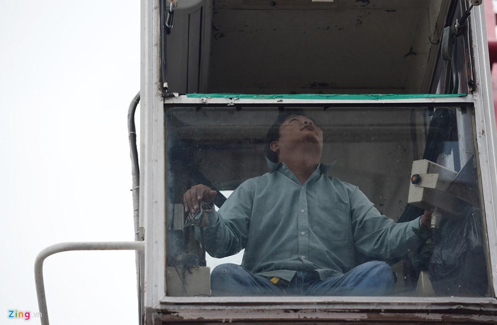 Canh thi cong tren dinh toa nha cao nhat Viet Nam hinh anh 15